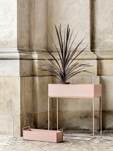 ferm living plant box rose interi r24 trygg handel. Black Bedroom Furniture Sets. Home Design Ideas